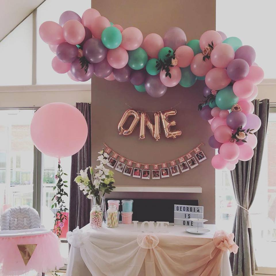 organic balloon cluster and 3ft pink balloon