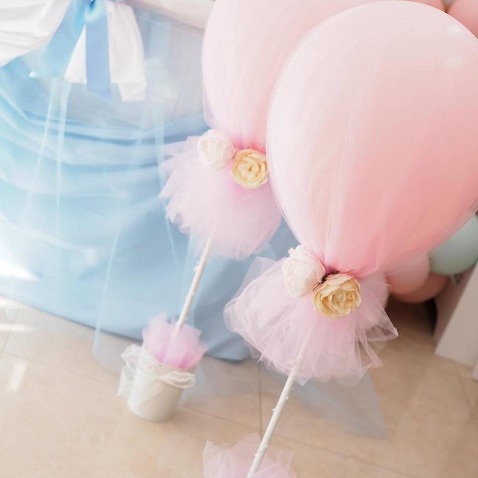 tulle covered balloon center pieces