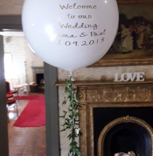 welcome to our wedding giant balloon