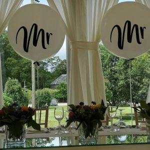 mr and mrs giant wedding balloon