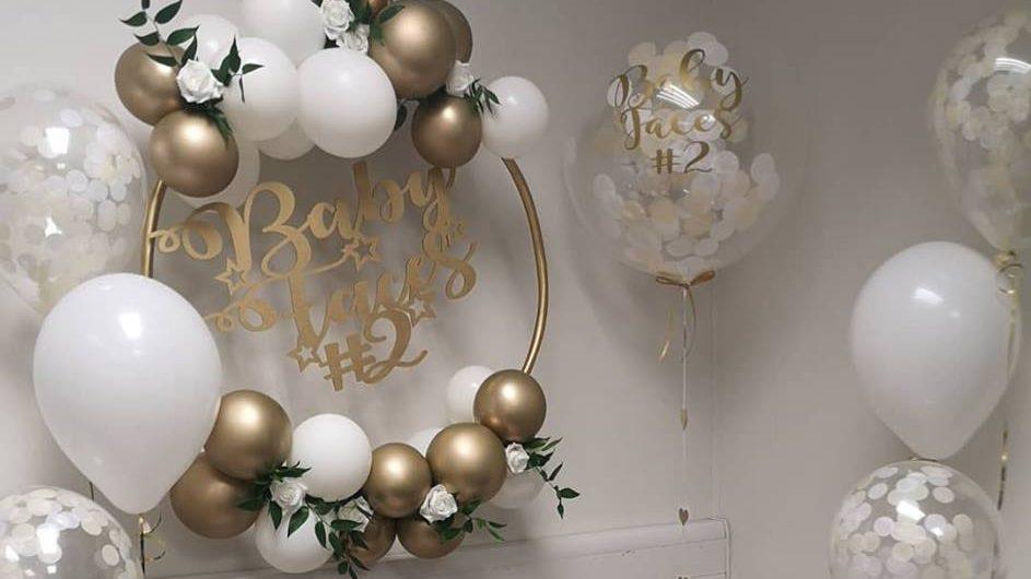 balloon hoop and confetti balloons