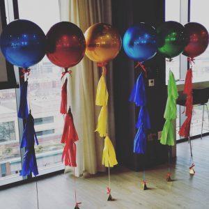 coloured orbz helium balloons