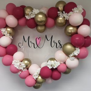 mr and mrs giant heart balloon cluster
