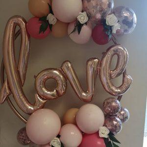 balloon hoop with rose gold love balloon insert