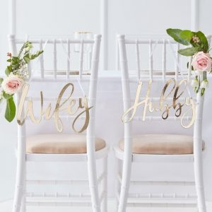 hubby wifey chair signs