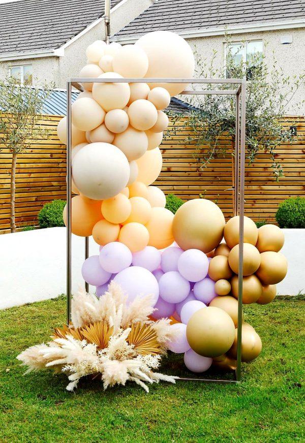 metal frame balloon display